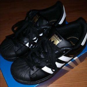 le adidas scarpe ragazzo numero 15 blackwhite poshmark